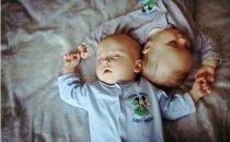 Как организовать сон детей погодок?